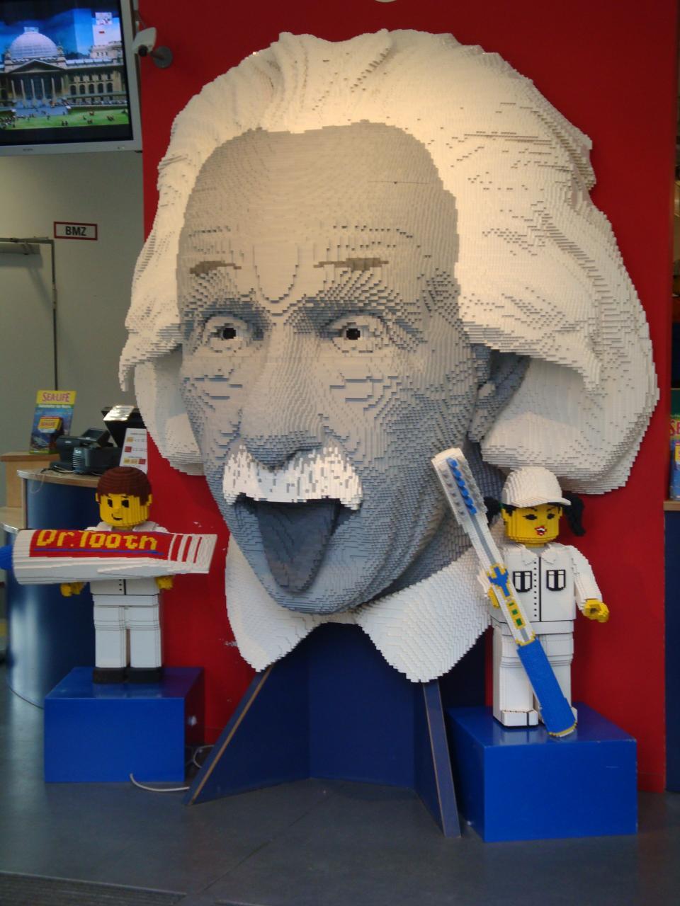 愛因斯坦樂高模型