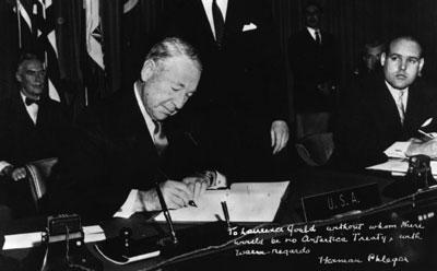 簽署南極條約