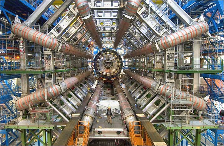 位於歐洲核子研究組織(CERn)的強子對撞機