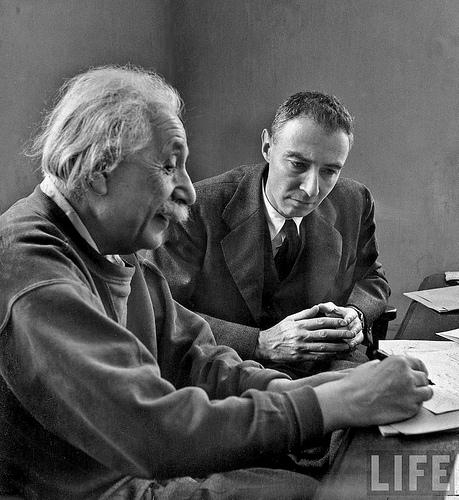 歐本海默與愛因斯坦