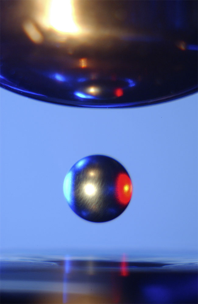 levitation-100330-02