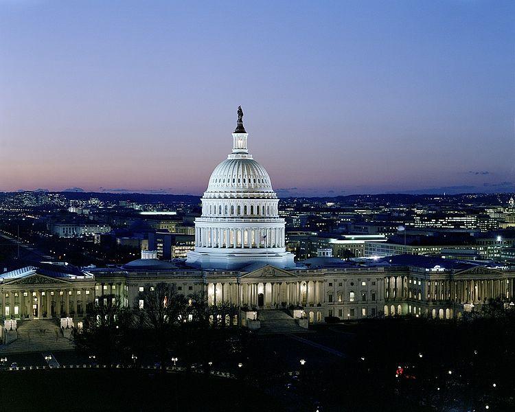 Dusk_at_U.S._Capitol,_Washington,_D.C.