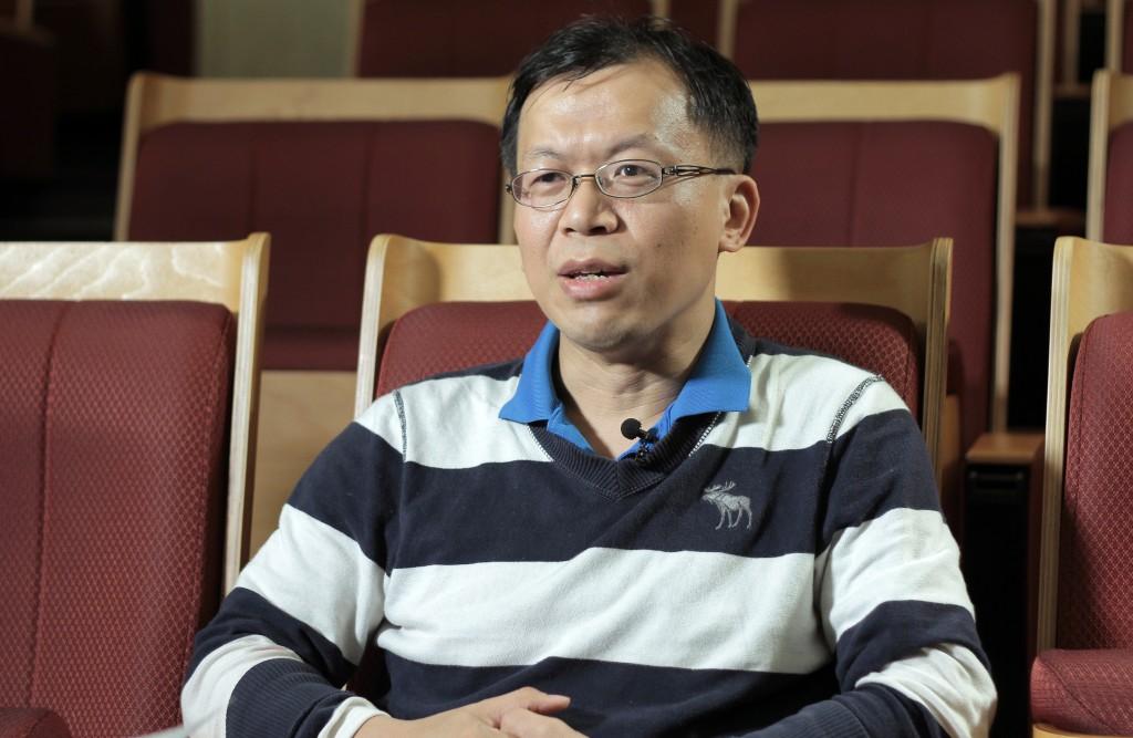 【人物專訪】思考有意義的問題,讓數學變成生命的一部分──訪陳國璋教授