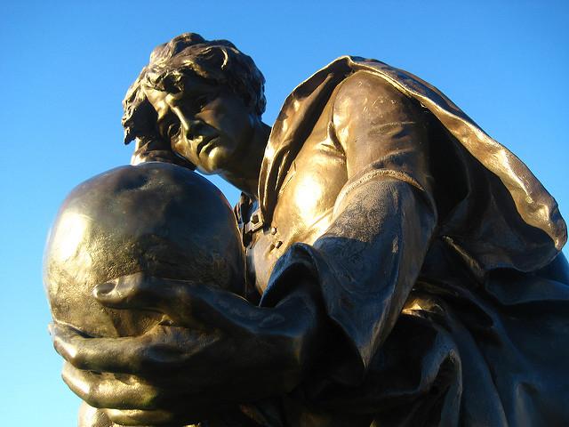 莎士比亞的四大悲劇之一,哈姆雷特。圖片來源:CC by V